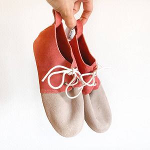 NWT Piper Finn Suede Saddle Shoes